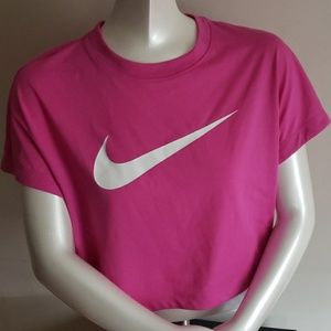 Nike Sportswear Swoosh Crop top